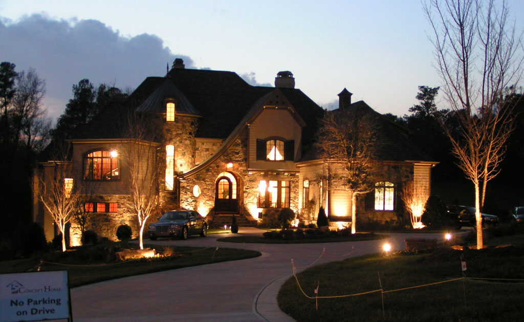 Make Your Outside Look Inviting With Outside Lighting Installations
